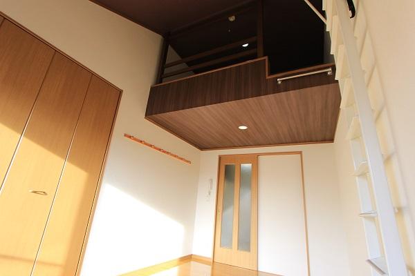 Loft Life ~高さを活かした部屋づくり~のサムネイル