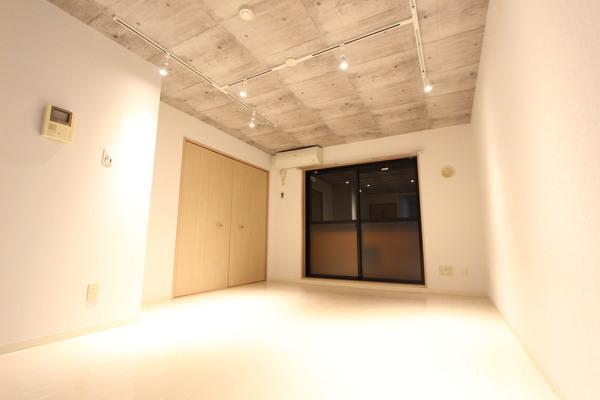 ロワジール(伊勢原市串橋)402号室